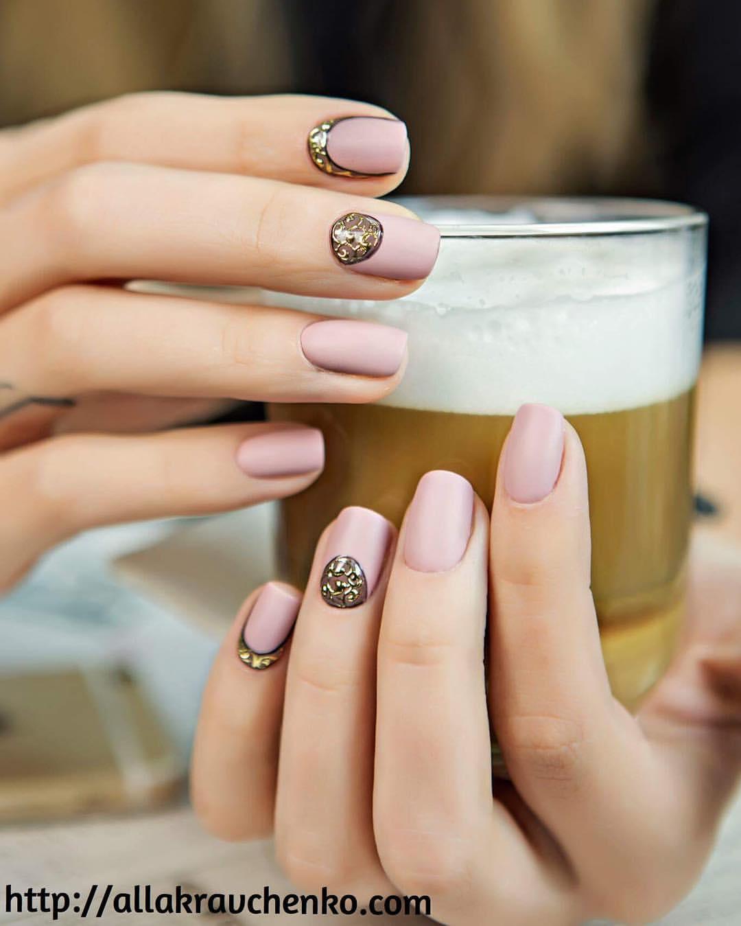 фото красивых маникюров для очень коротких ногтей