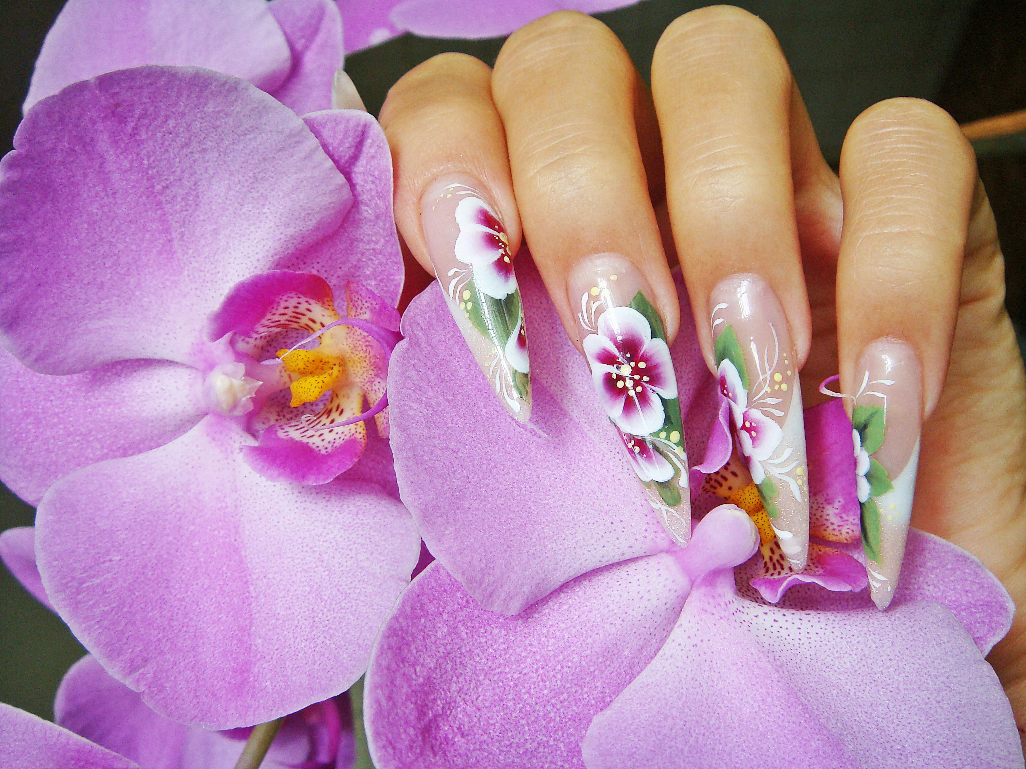 наращиванеи ногтей Киев цветы лето