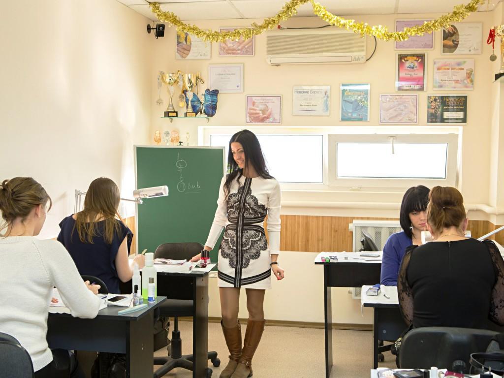 Обучение наращивание ногтей Алла Кравченко компания Виктори Украина Киев уроки